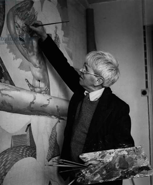 "Portrait of the British artist Stanley Spencer (1891-1959) painting ""Crucifixion"" 1958 (b/w photo)"