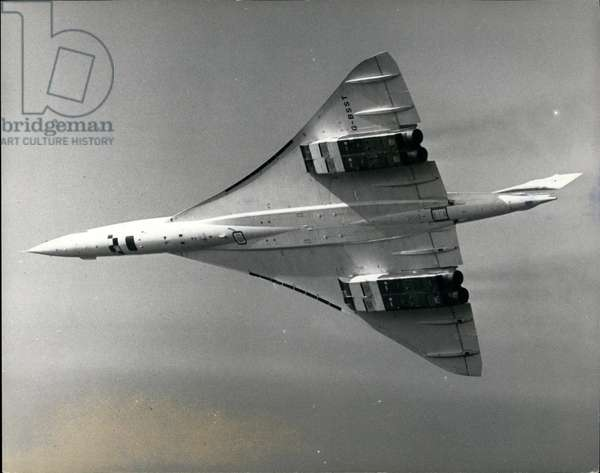 Concorde At Farnborough. Today was Press Day of the Farnborough Air Show, and this afternoon the Anglo-French Concorde 002 supersonic airliner, staged a fly past here. Keystone Photo Shows:- Concorde 002 flying over the Farnborough Air Show, 1970