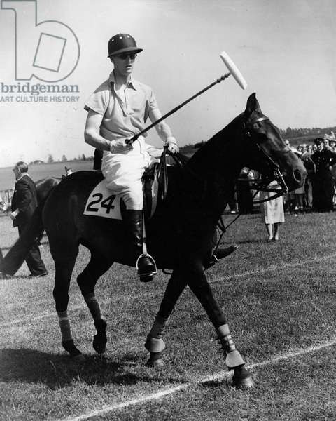 May 18, 1952 - Cowdray Park, Sussex, U.K. - PRINCE PHILIP (Philip Mountbatten) playing Polo.