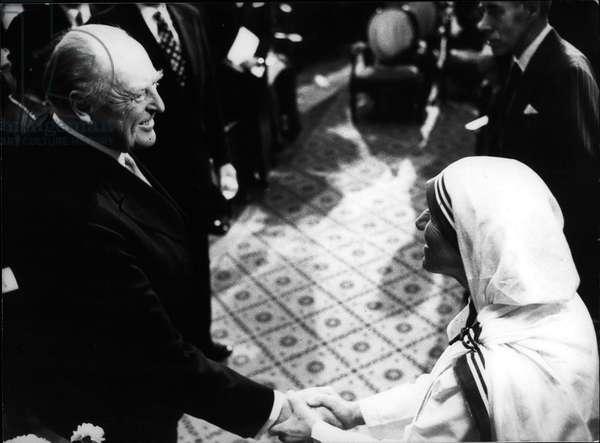 mother Teresa (Theresa) - Dec. 11, 1979 - Norway's King Olav V Congratulates Mother Teresa on Nobel Prize