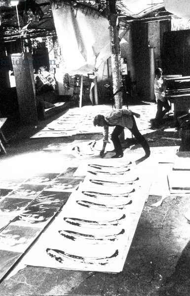American artist Andy Warhol made banana serigraphies for Velvet Underground debut album, 1966 Factory New York (b/w photo)