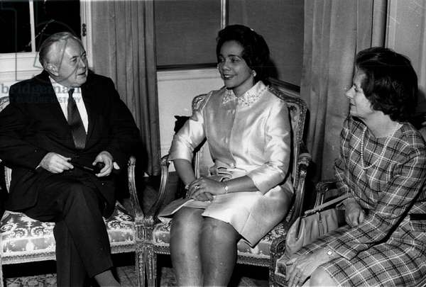 Feb. 09, 1970 - Mrs. Coretta King, widow of Dr. Martin Luther King, chats with British Prime Minister Harold Wilson and his wife, Mary